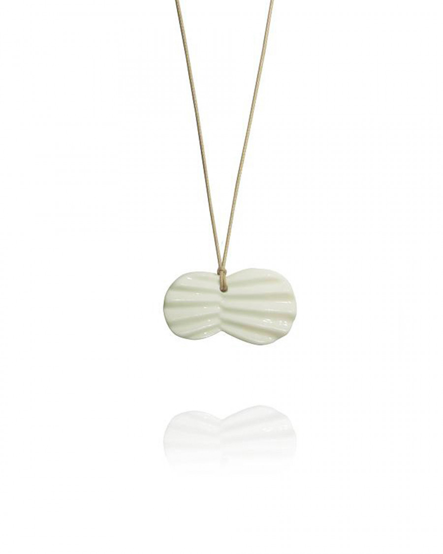 pleats necklace-beige
